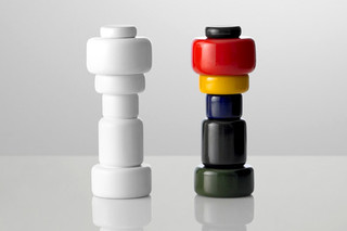 Plus salt & pepper shaker  by  Muuto