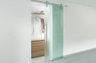 Akzent Sliding Door System  by  MWE