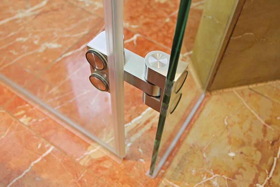 Hinge for Glass Installation