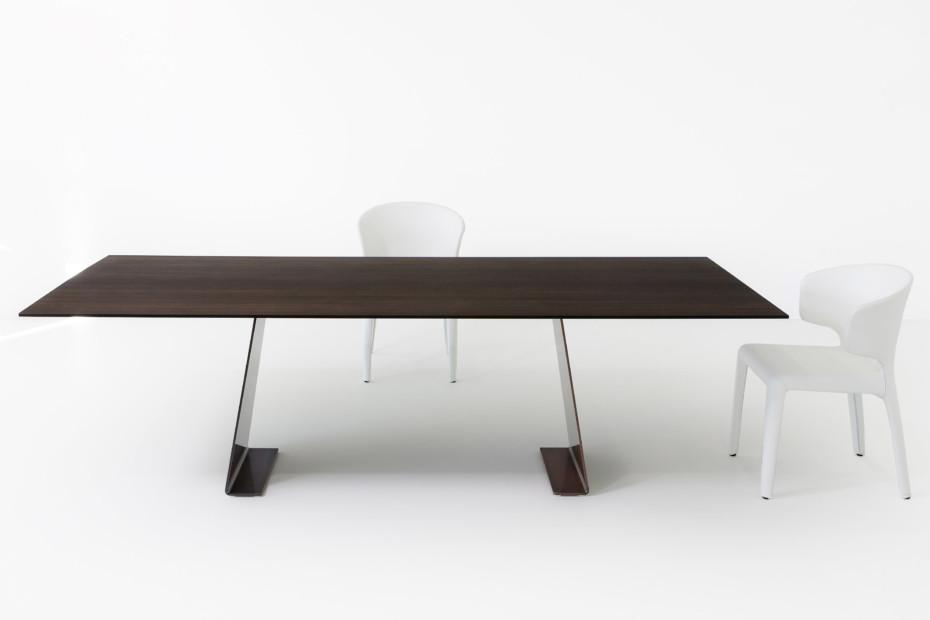Clip table
