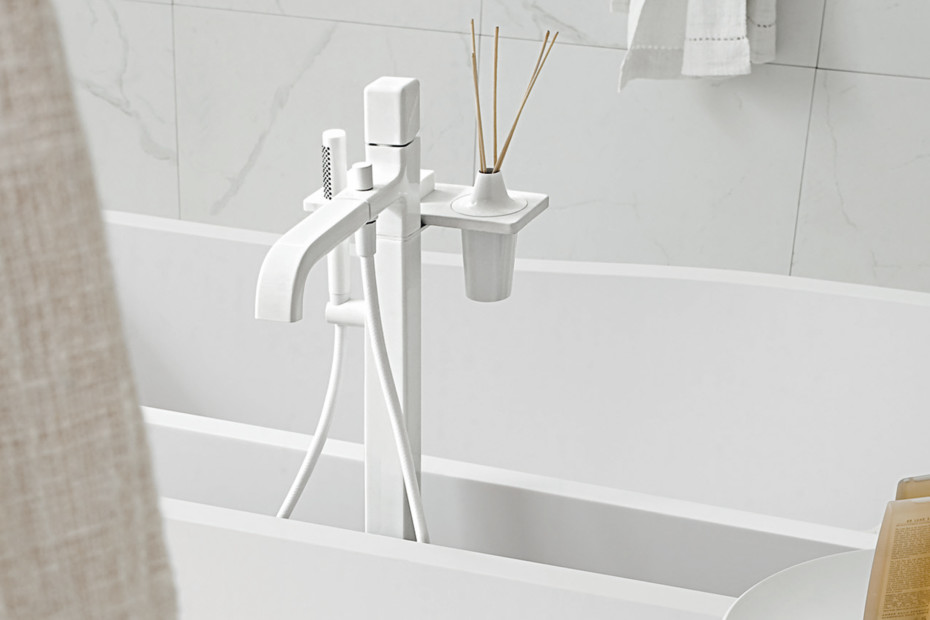 Faraway freestanding bathtub single lever mixer