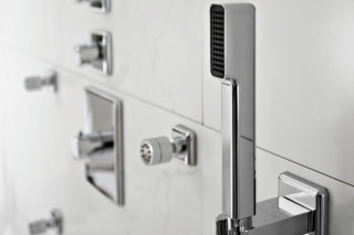 Faraway rectangular shower column  by  Zucchetti