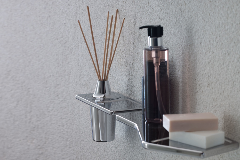 Faraway wall-mounted essence holder