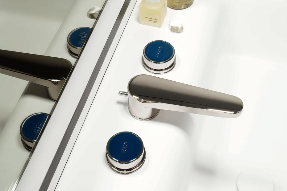 Savoy basin mixer