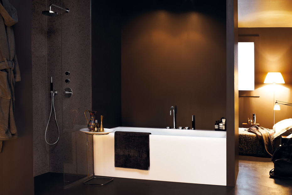 Savoy bath mixer with pull out shower