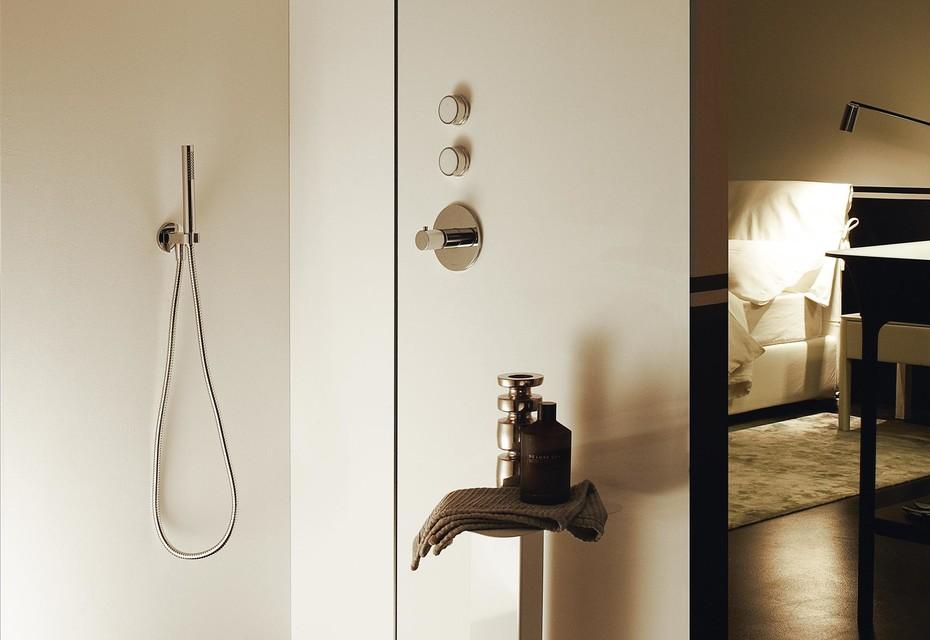 Savoy shower system