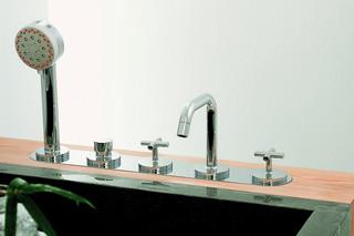 Isy Bathtub 1  by  Zucchetti