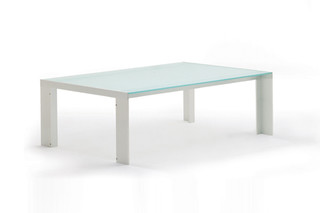 Deneb coffee table  by  STUA