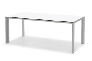 Deneb HPL Tisch  von  STUA