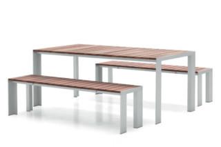 Deneb Teka Tisch  von  STUA