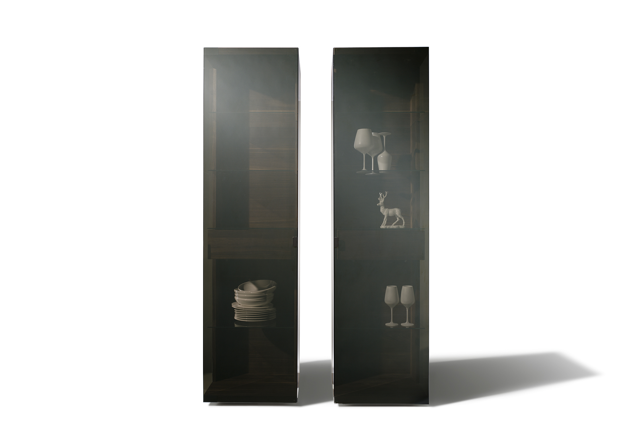 nox vitrine von team 7 stylepark. Black Bedroom Furniture Sets. Home Design Ideas