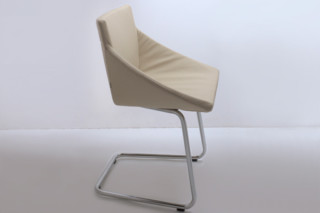 Boculino cantilever chair  by  team'by'wellis '
