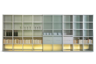 VaRe shelving  by  team'by'wellis '
