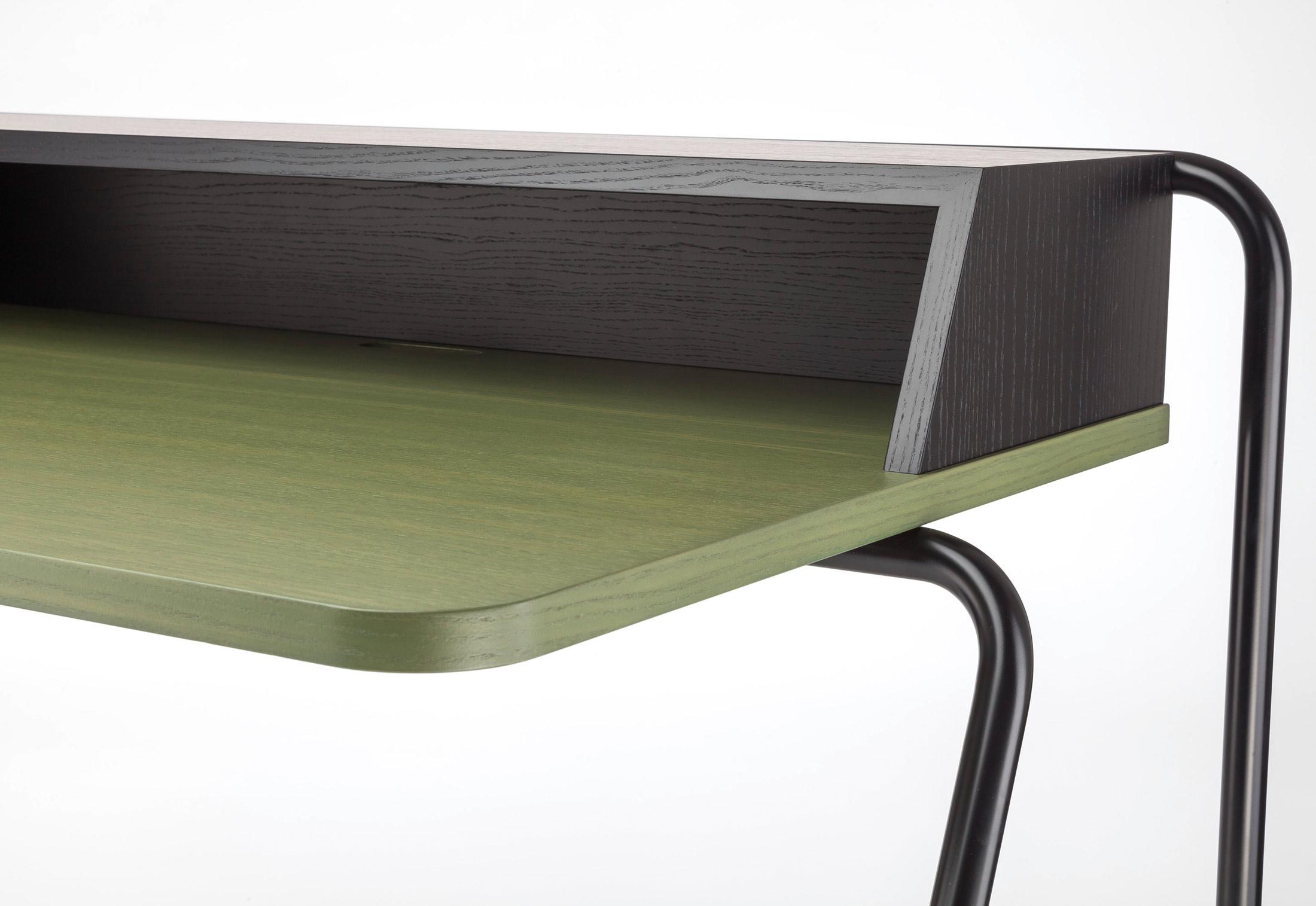 s 1200 by thonet stylepark. Black Bedroom Furniture Sets. Home Design Ideas