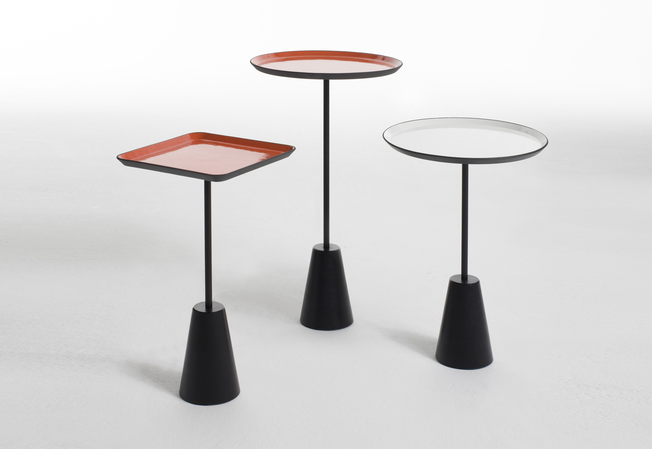 Spot Table Red Round By Tom Dixon STYLEPARK - Tom dixon coffee table
