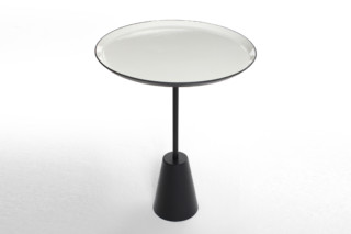 Spot table white round  by  Tom Dixon