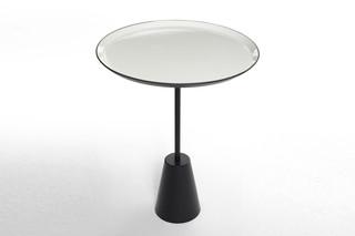 Spot table white round  von  Tom Dixon
