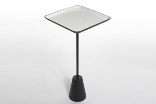 Spot table white square  von  Tom Dixon