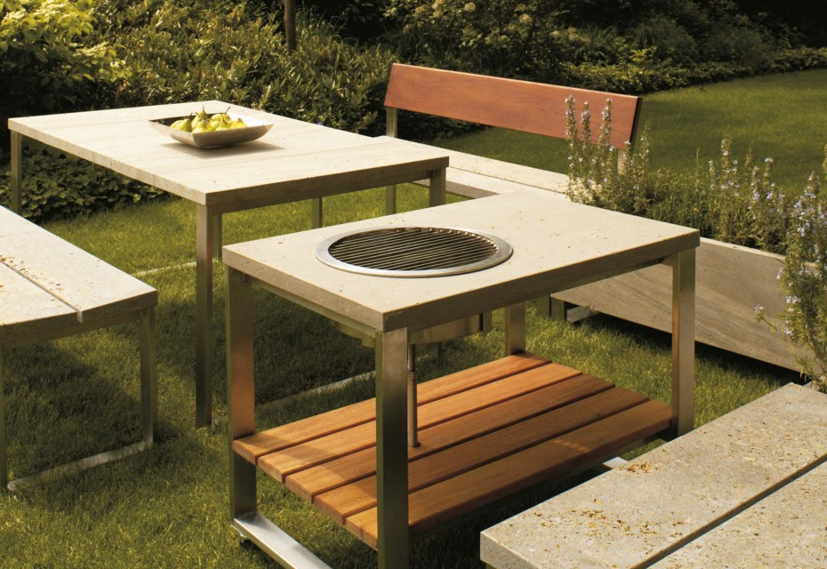 Pure grill table