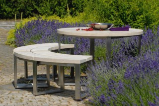 Pure table  by  TRACO Manufactur