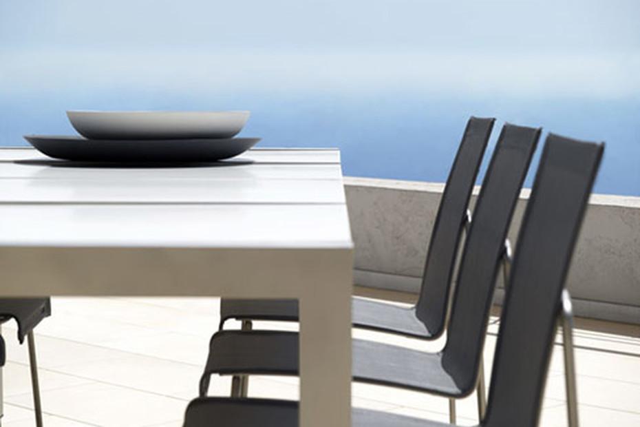 Arc side chair