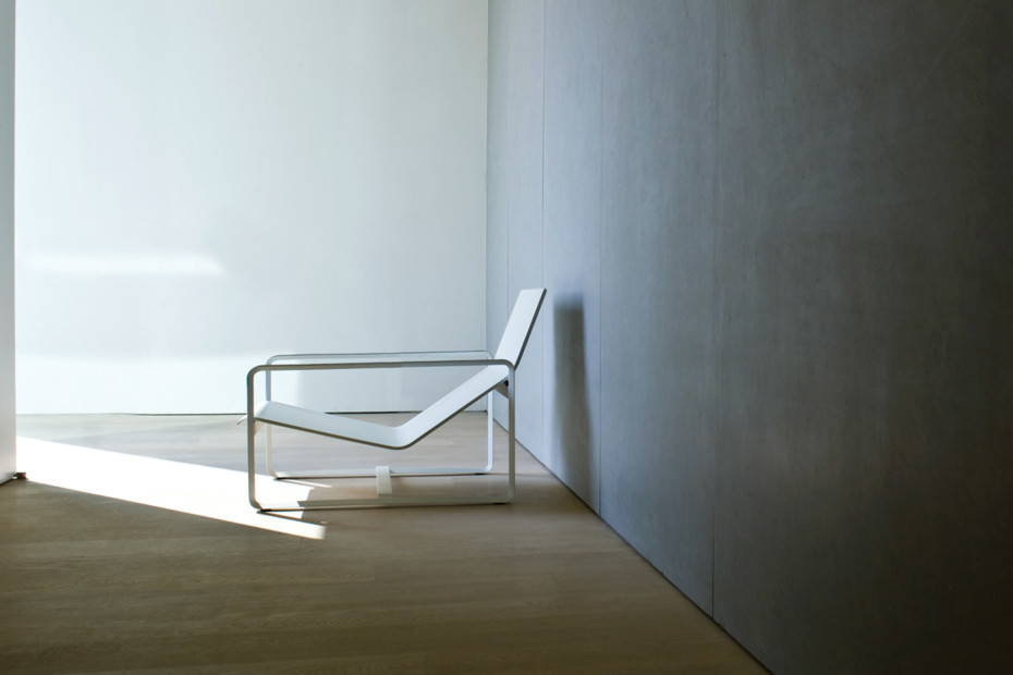 Neutra easy chair