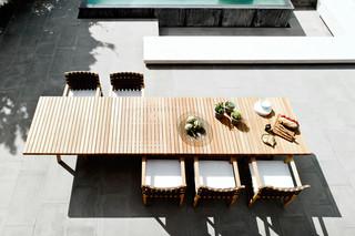 Vis à Vis rectangular table  by  Tribù