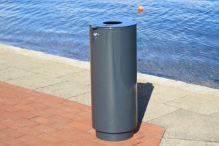 Expert litter bin  by  UNION - public & street furniture