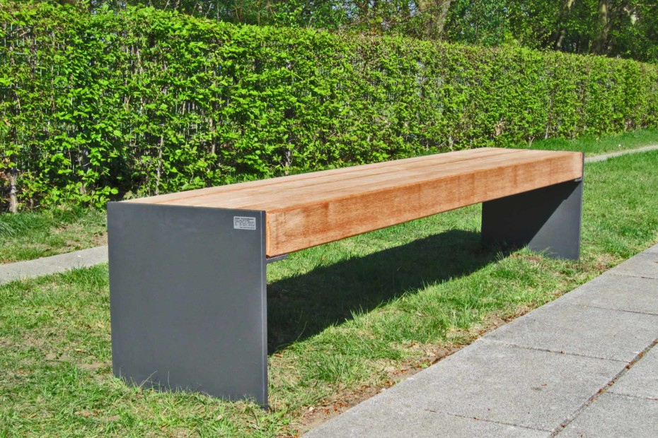 Profile-bench Esplanade