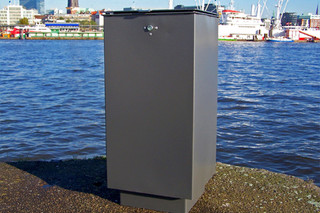 Tresor litter bin  by  UNION - public & street furniture