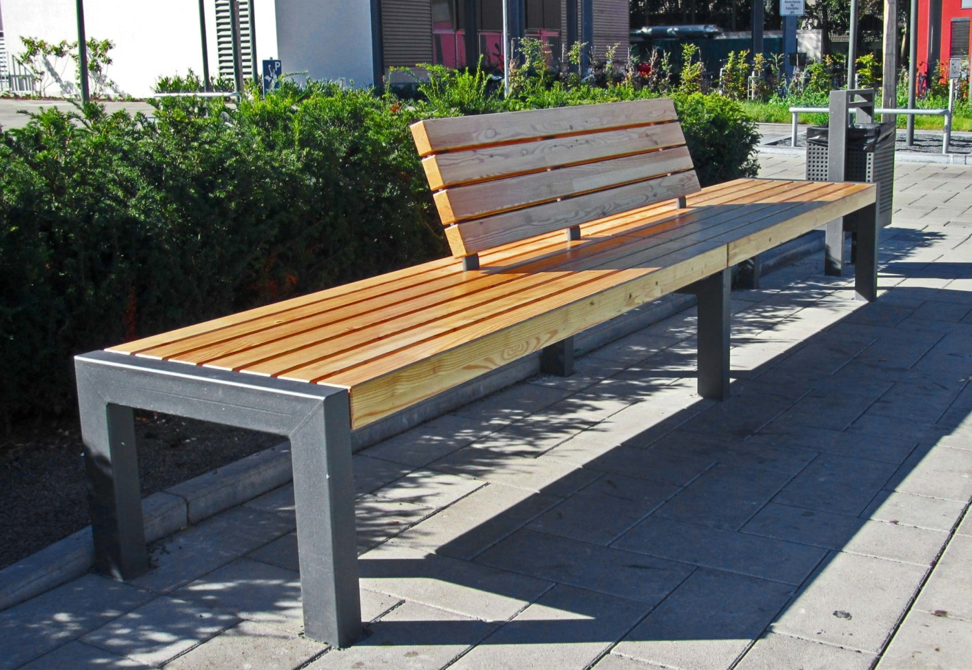 Vario bench leander by union public street furniture for Furniture u street dc