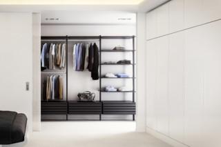 C-Serie Garderobe Black Oak  von  uno form