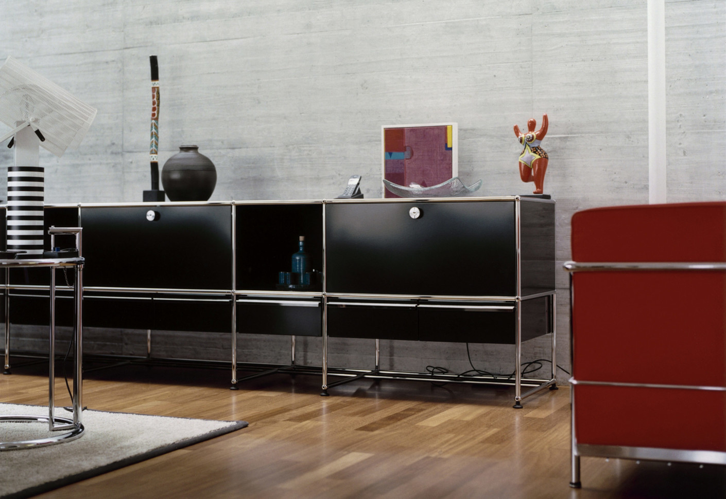 usm haller sideboard 1 von usm stylepark. Black Bedroom Furniture Sets. Home Design Ideas