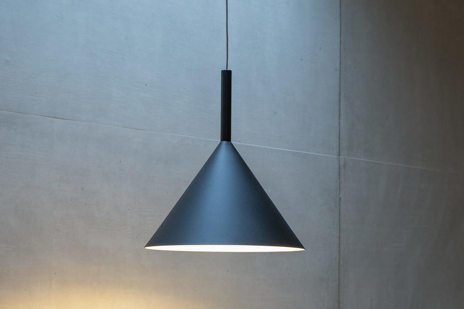 Funnel pendant lamp