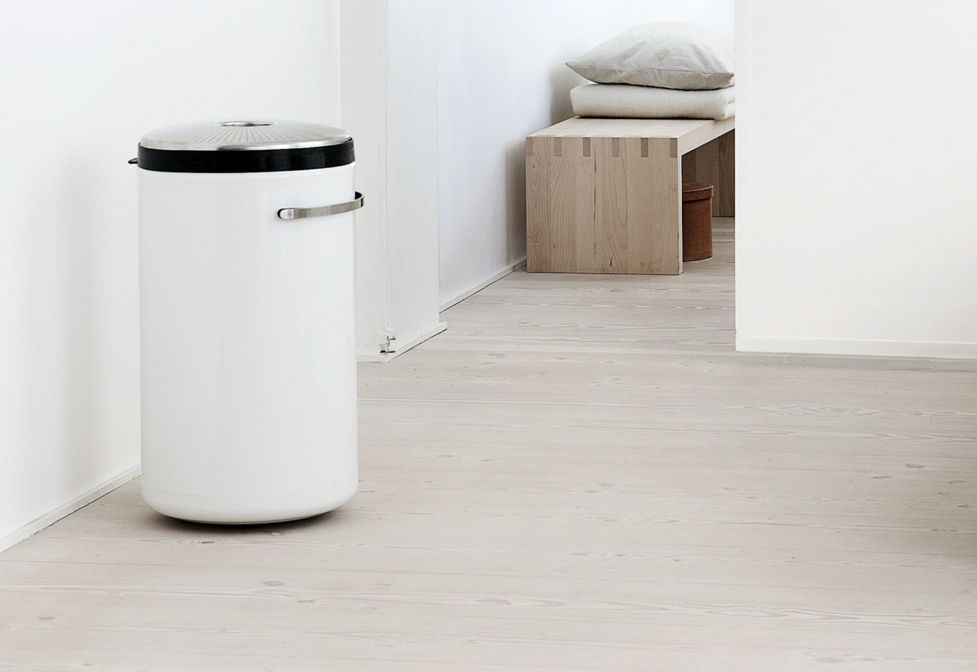 laundry basket by vipp stylepark