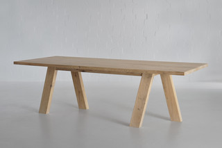Go table  by  vitamin design
