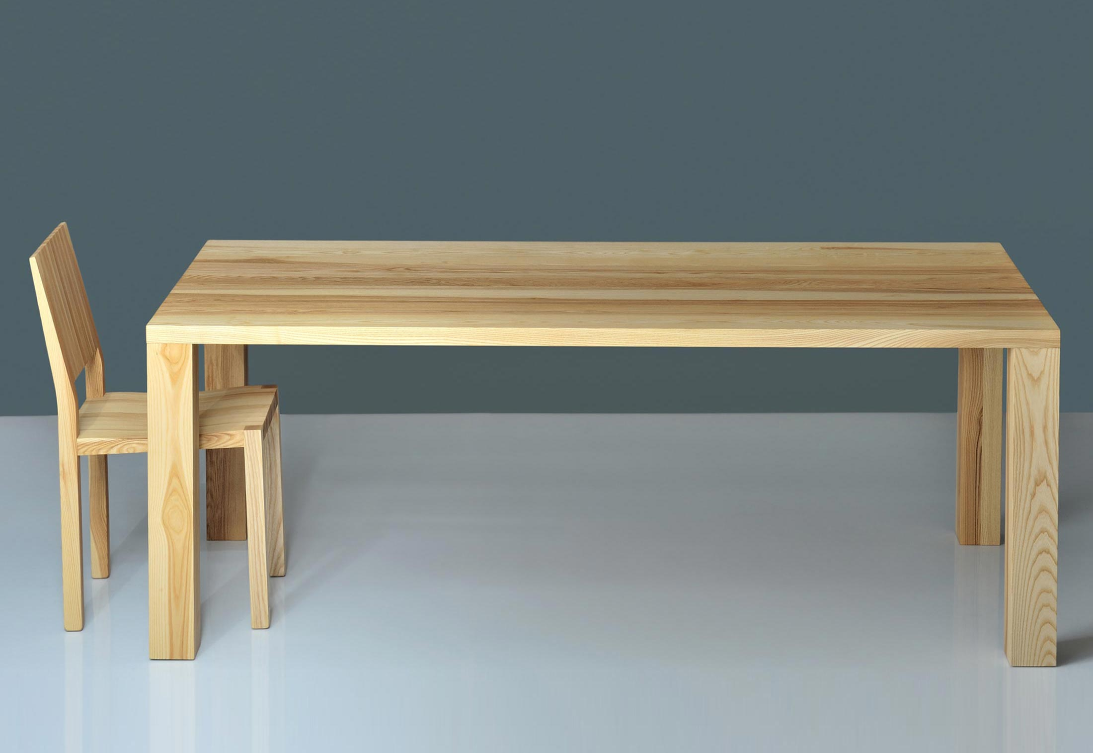 Iustus tisch von vitamin design stylepark for Tisch vitamin design