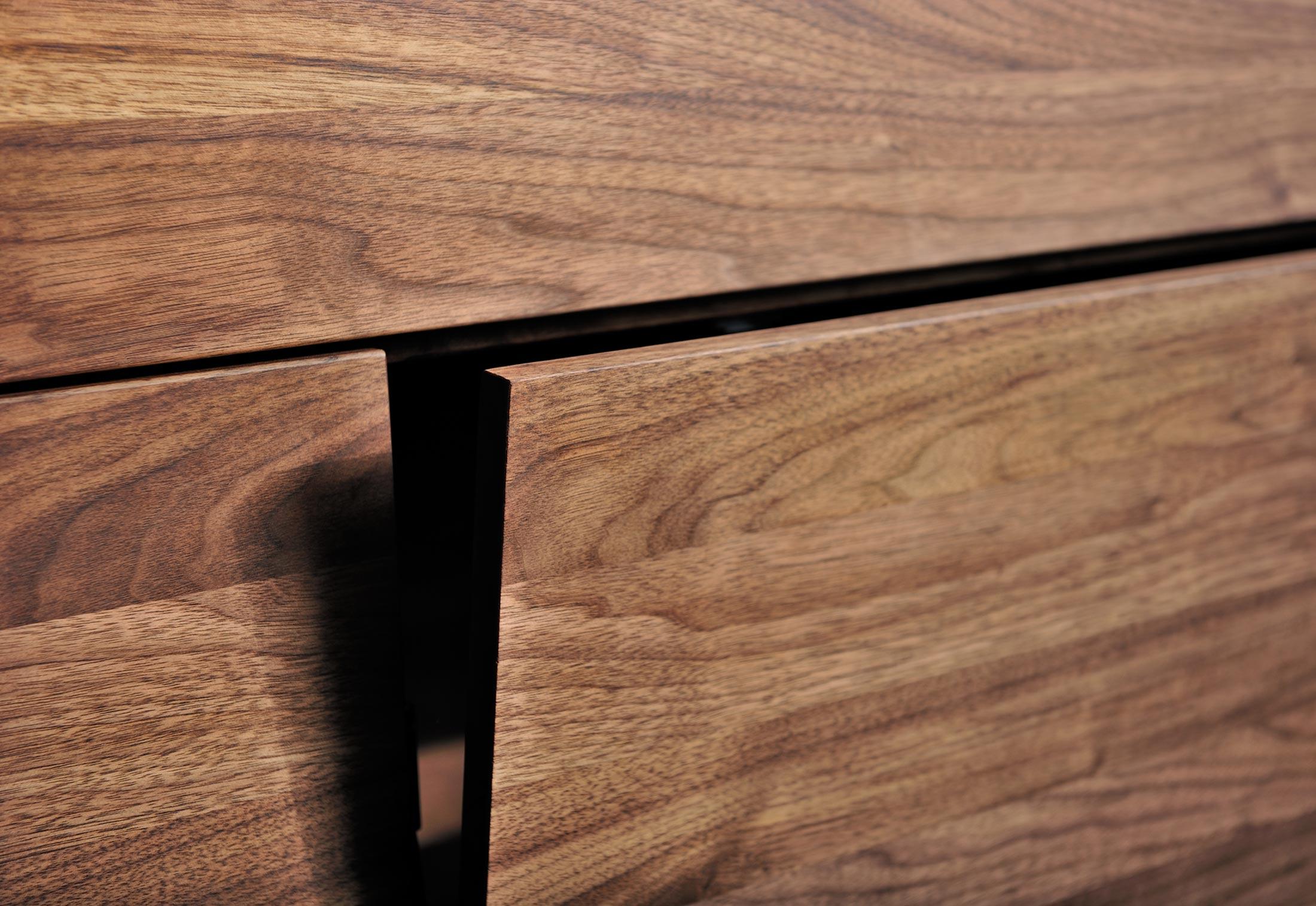 Linea sideboard mit untergestell von vitamin design for Sideboard untergestell