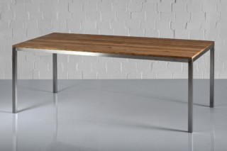 Nojus table  by  vitamin design