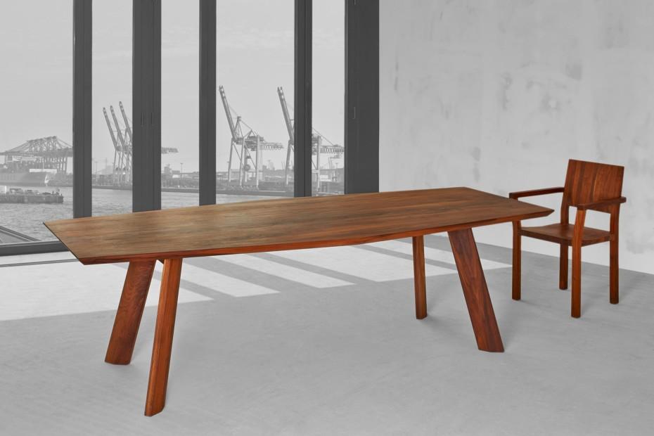 Rhombi table