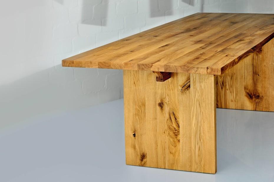 Saga Tisch