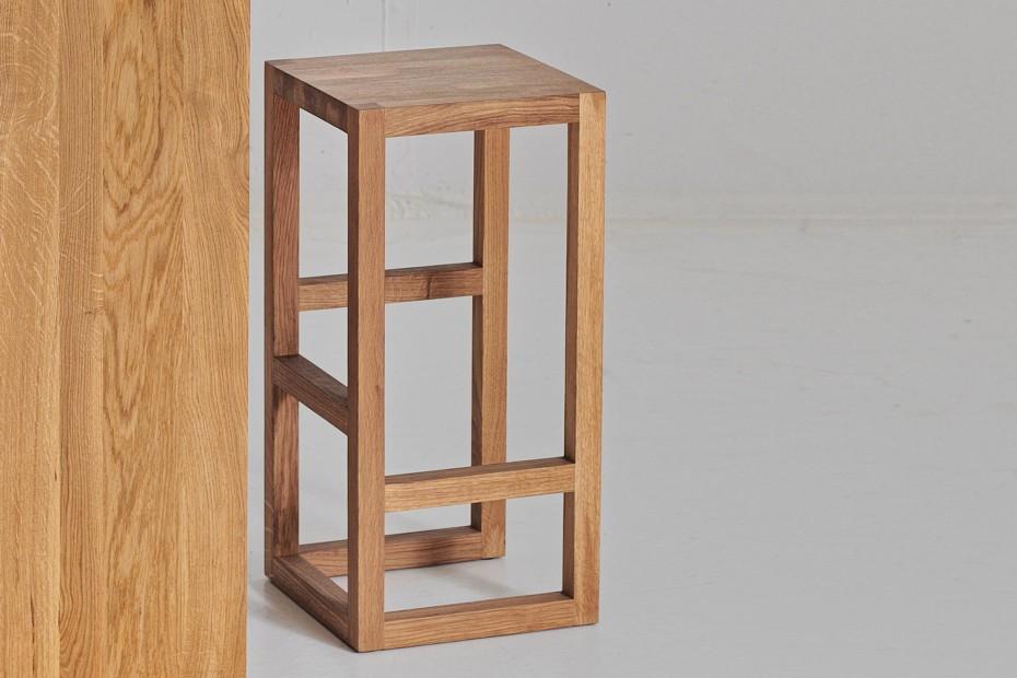 Step bar stool