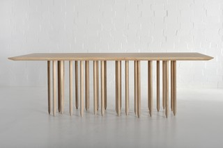 Stilus table  by  vitamin design