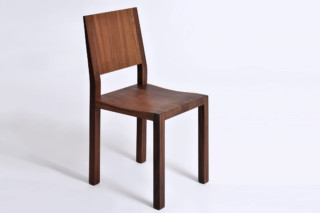 Tau chair  by  vitamin design