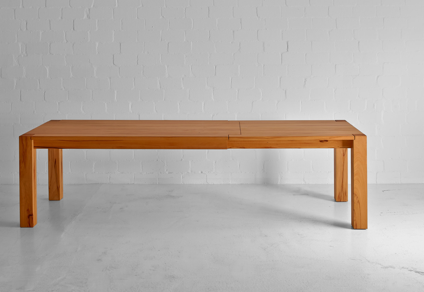 Taurus Expandable Table By Vitamin Design Stylepark