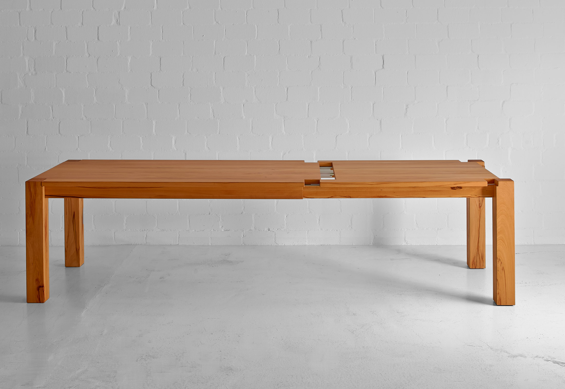 Superbe Taurus Expandable Table; Taurus Expandable Table ...