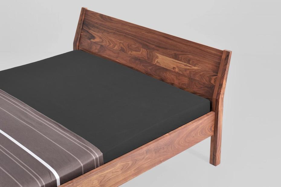 Villa bed