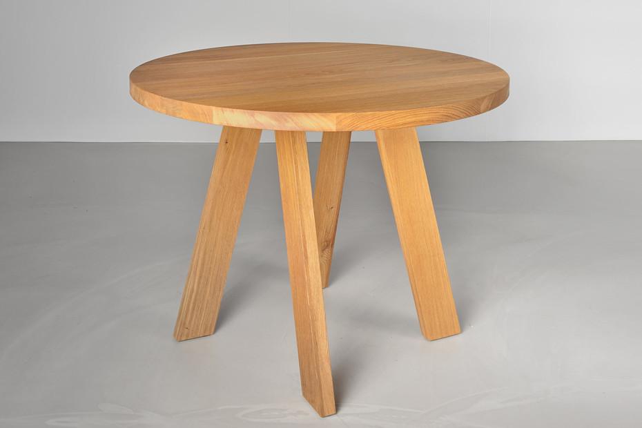 Zirkel Tisch