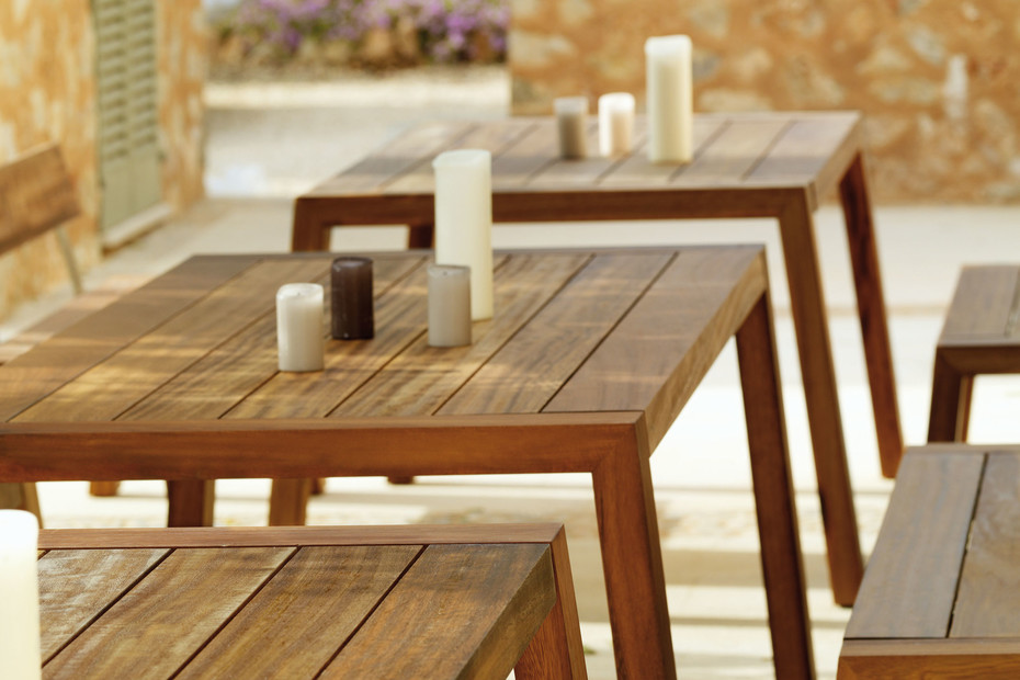 Solo Table