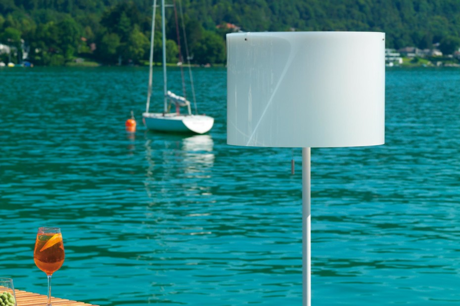Zoe Solar Outdoor lamp